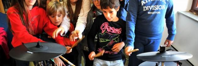 Glazbena stvaraonica u Sutivanu